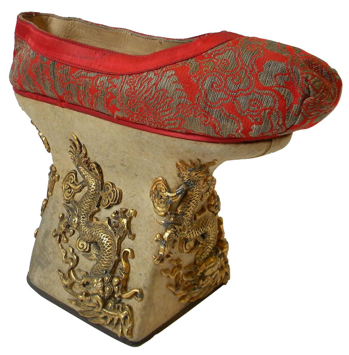 K Chen L Hne arte e scarpe a quot tacco quindici quot trentino cultura