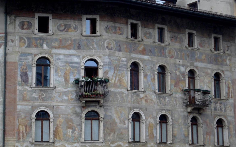 Casa cazzuffi rella trentino cultura for Piani di palazzi contemporanei