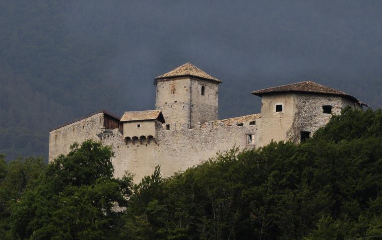 La rete dei castelli del trentino trentino cultura for Castel vasio