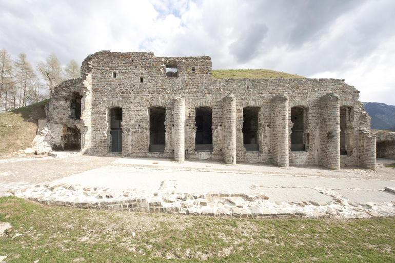 Facciata principale del forte di Tenna. Foto di R. Cetto imagefull Sentinelle di Pietra, spettacolo al Forte Dossaccio