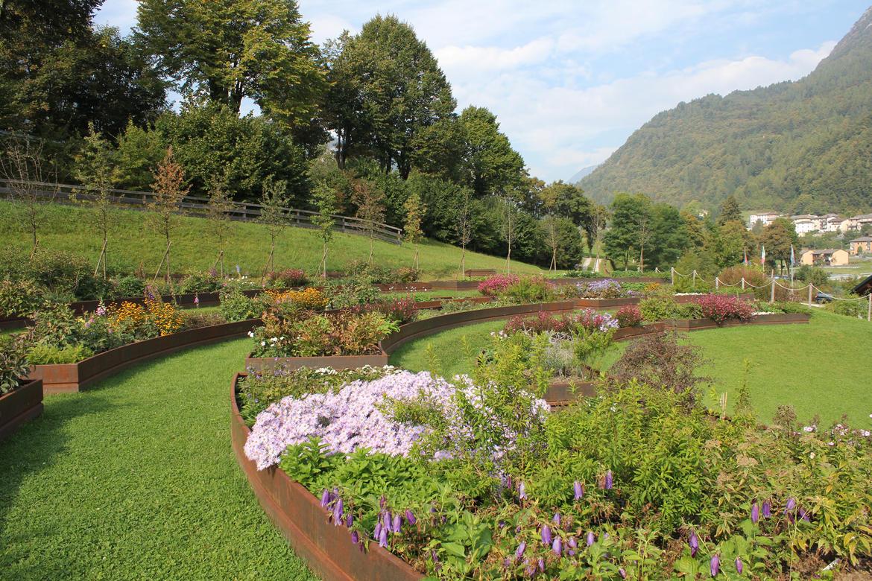 Visite guidate al giardino d europa de gasperi trentino - Oltre il giardino torrent ita ...
