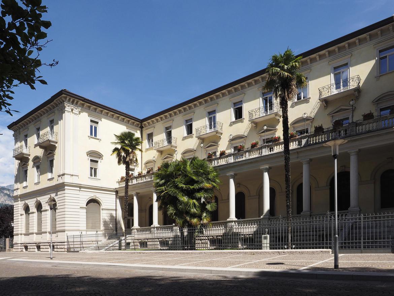 Ufficio Di Ogni Provincia : Il palazzo della provincia. scrigno darte trentino cultura