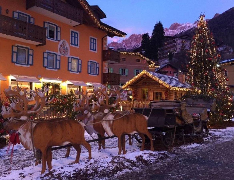 Immagini Di Mercatini Di Natale.Mercatini Di Natale A Moena Trentino Cultura