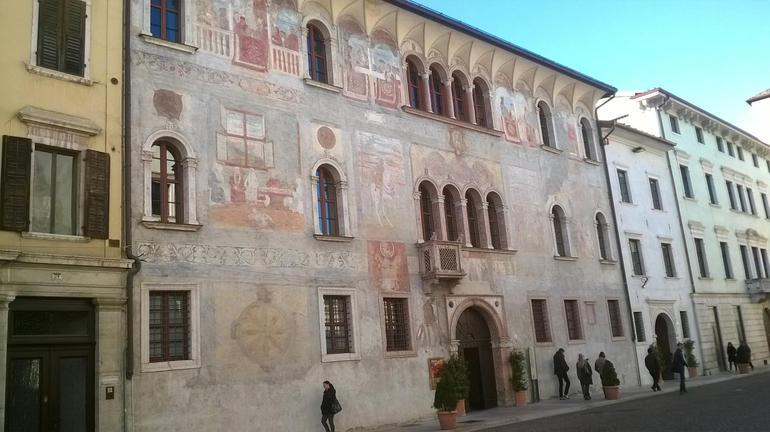 Palazzi storici trentino cultura for Piani di palazzi contemporanei